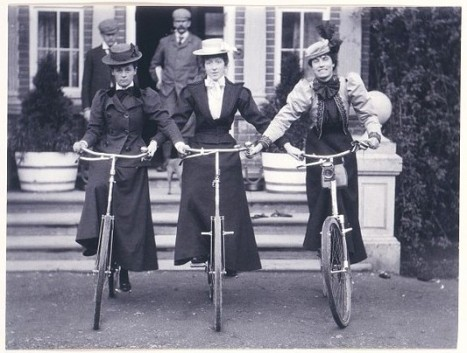 bicycle-girls-v-and-ap
